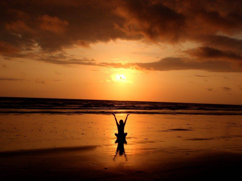 Napfelkele, meditació, aranyló reggel
